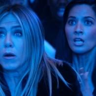 """""""Firmos kalėdinis balius"""" su J. Aniston priešaky parodys, kaip švęsti, kad visi užskaitytų"""