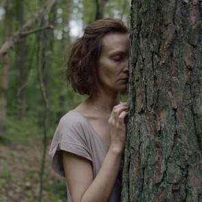 """Giedrės Beinoriūtės filmas """"Kvėpavimas į marmurą"""" pradeda rinkti apdovanojimus - du atkeliauja iš Kosovo kino festivalio"""