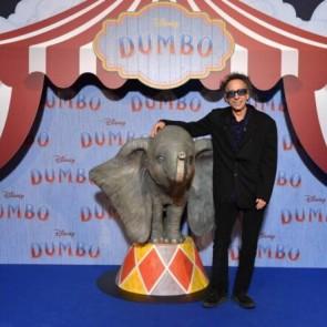 """Aktorius Colinas Farrellas kyla į naujas aukštumas """"Disney"""" filme """"Dambis"""""""