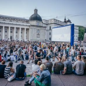 """""""Lietuviško kino naktis"""" vienu metu vyks net 25-iuose šalies miestuose: sužinokite apie kino seansus šalia jūsų"""