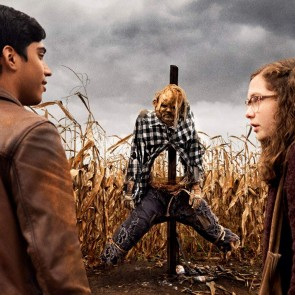 """Guillermo del Toro į kino teatrus grįžta savaip interpretuodamas legendines """"Šiurpias istorijas pasakojimui tamsoje"""""""